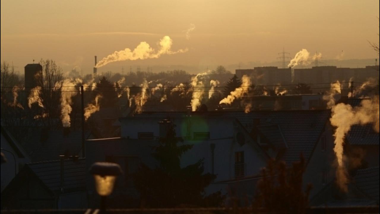 [Copertina] - Inquinamento, Ue: