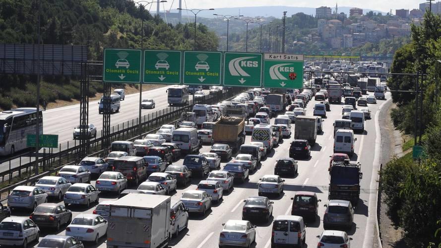 Hurda indiriminde 15 bin lira ve köprü cezaları iptali yasalaştı
