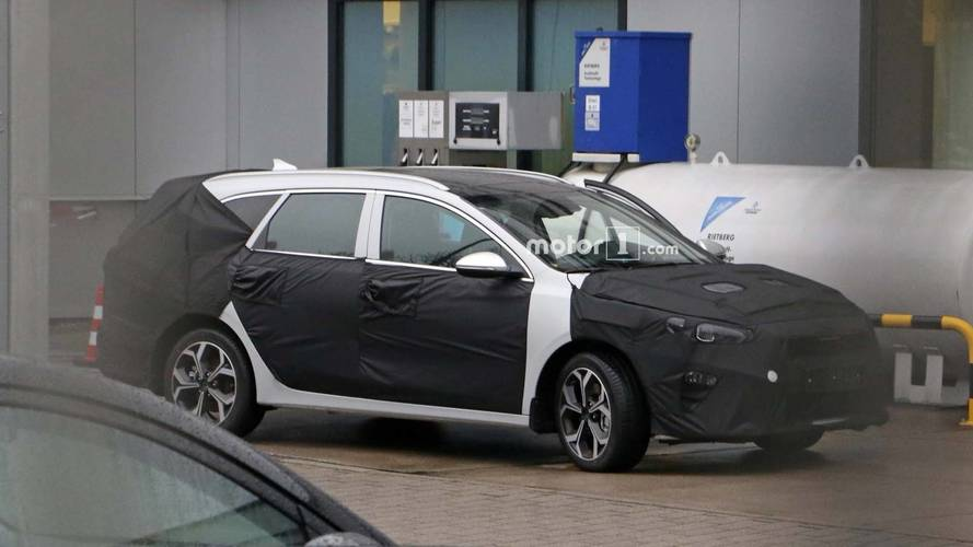 New Ceed estate spotted refuelling at Kia facility