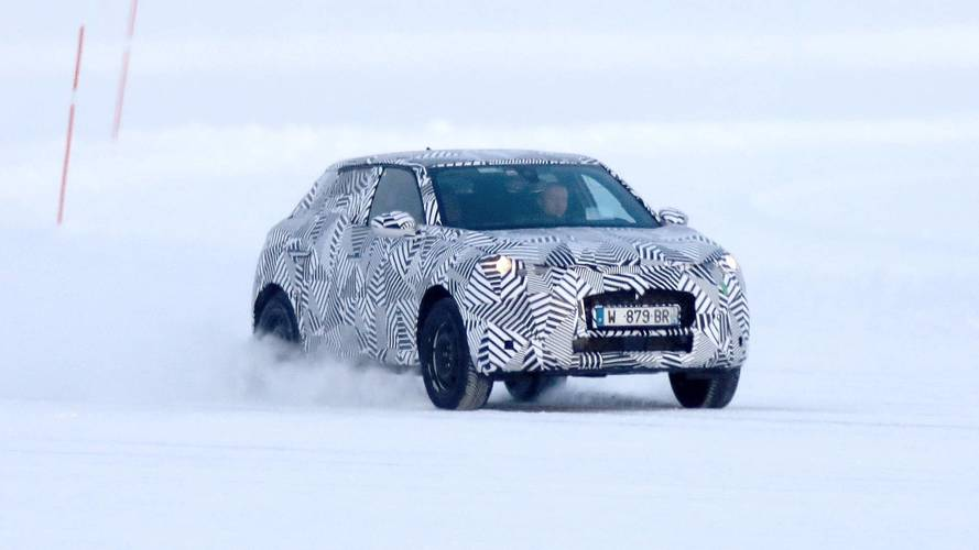 Flagra - Versão SUV do DS 3 roda em testes na neve