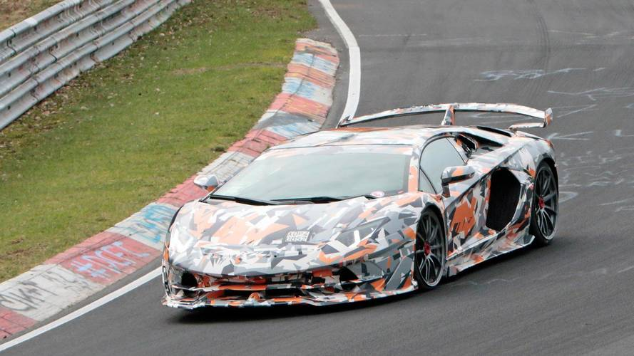 La future Lamborghini Aventador SVJ à nouveau surprise