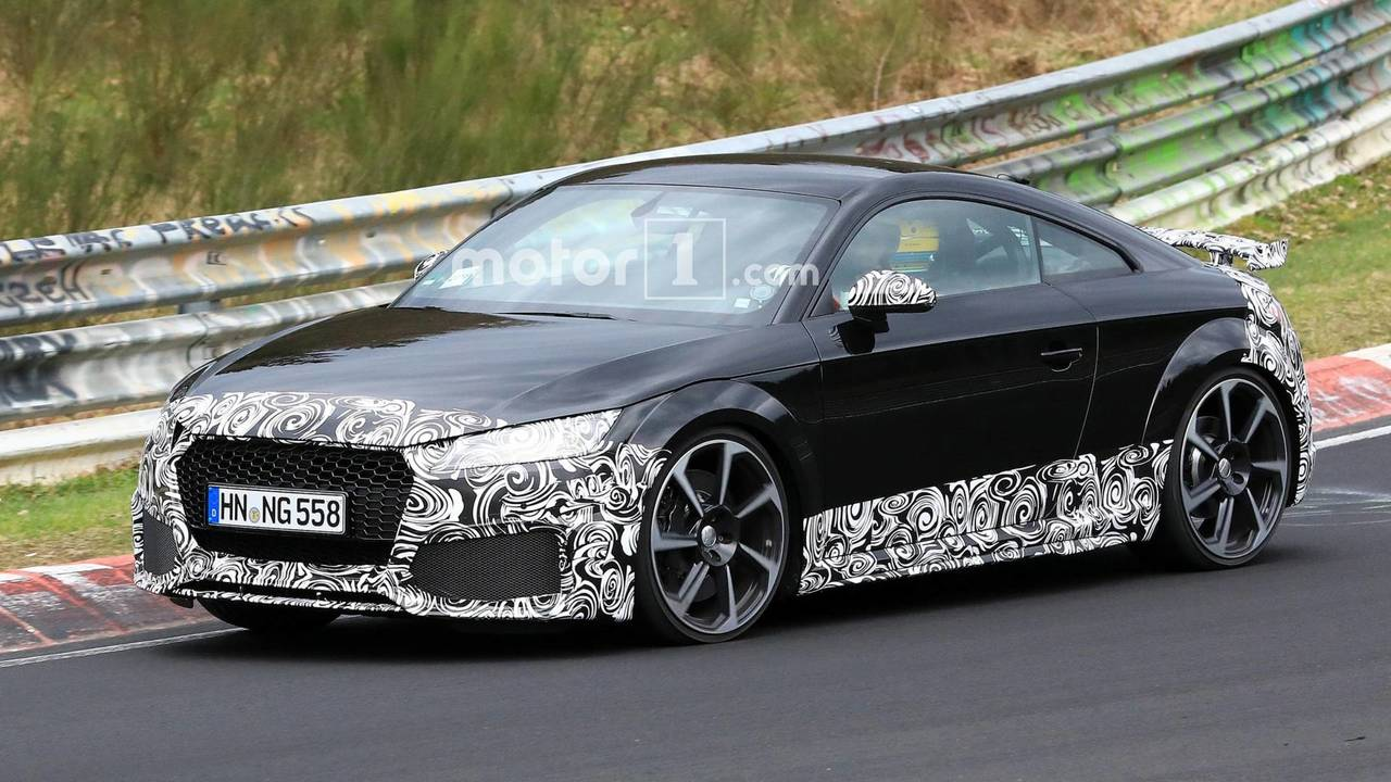 Audi TT RS facelift spy photo