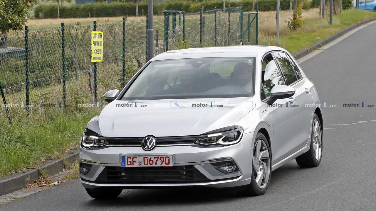 2021 VW Golf GTE kémfotó