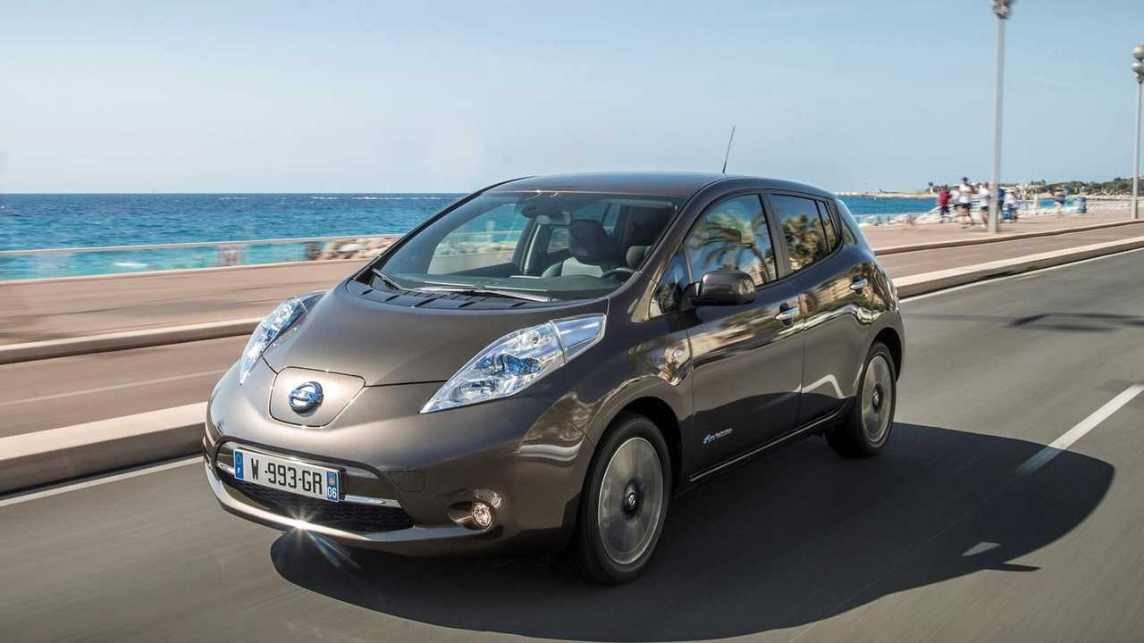 Check 47 Pictures Of The First Generation Nissan Leaf