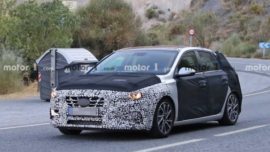 Hyundai i30 Five-Door Facelift Spied Looking Like A Station Wagon