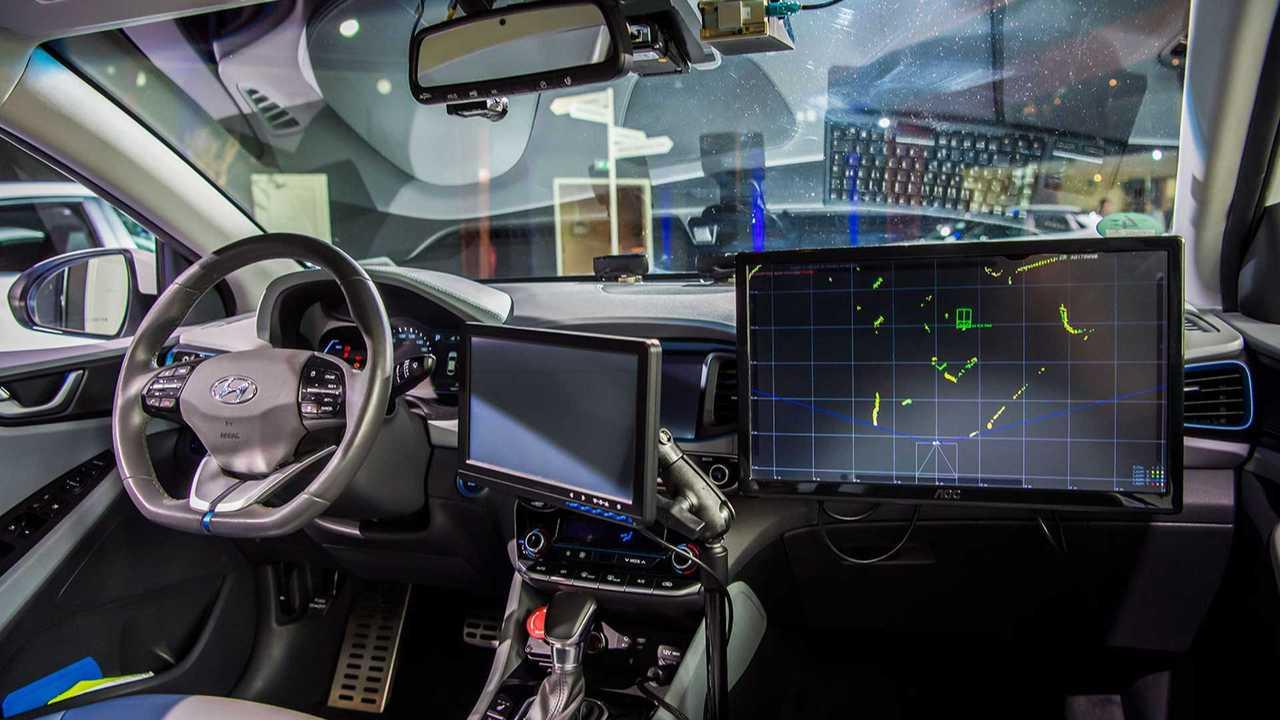 Hyundai Ioniq mit autonomem Fahrsystem