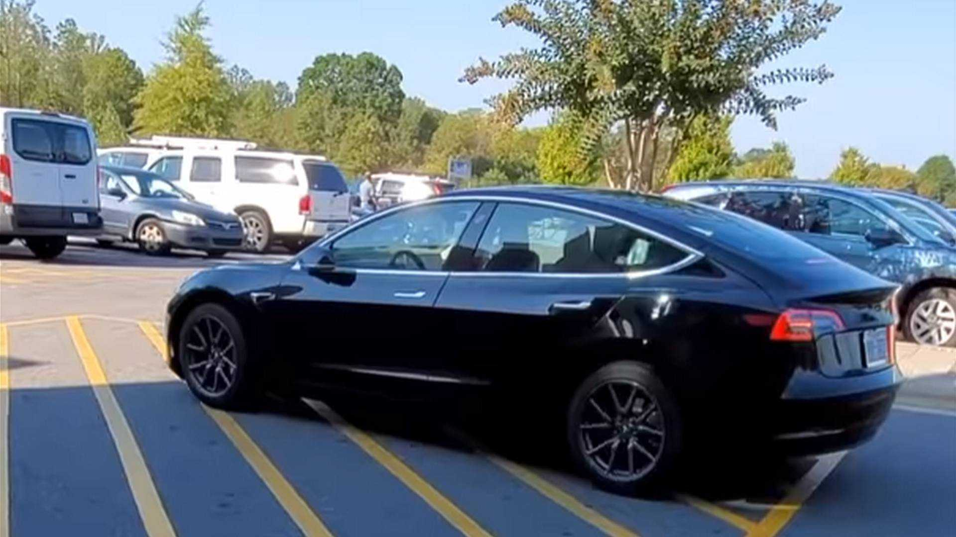 Consumer Reports Calls Tesla Smart Summon 'Glitchy' & Without Benefits