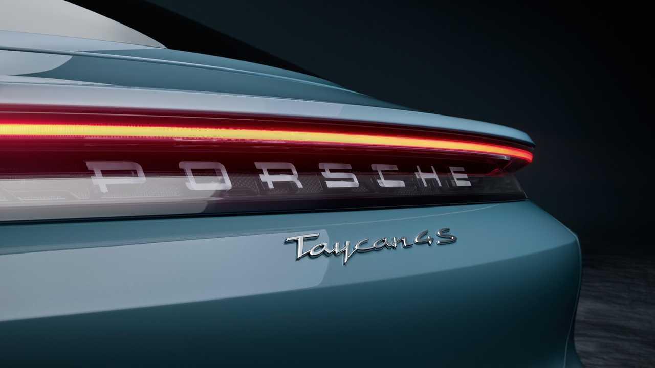 Yeni Porsche Taycan 4S