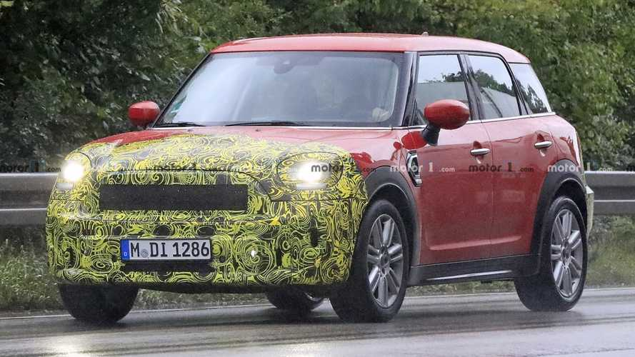 Mini Countryman facelift spied hiding a little secret