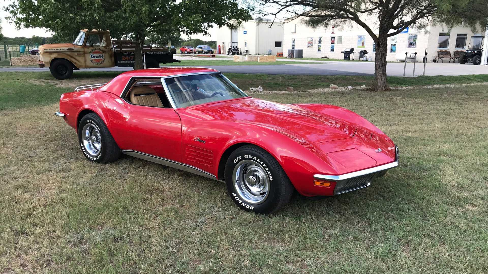 "[""Dual-Top 1970 Chevrolet Corvette""]"