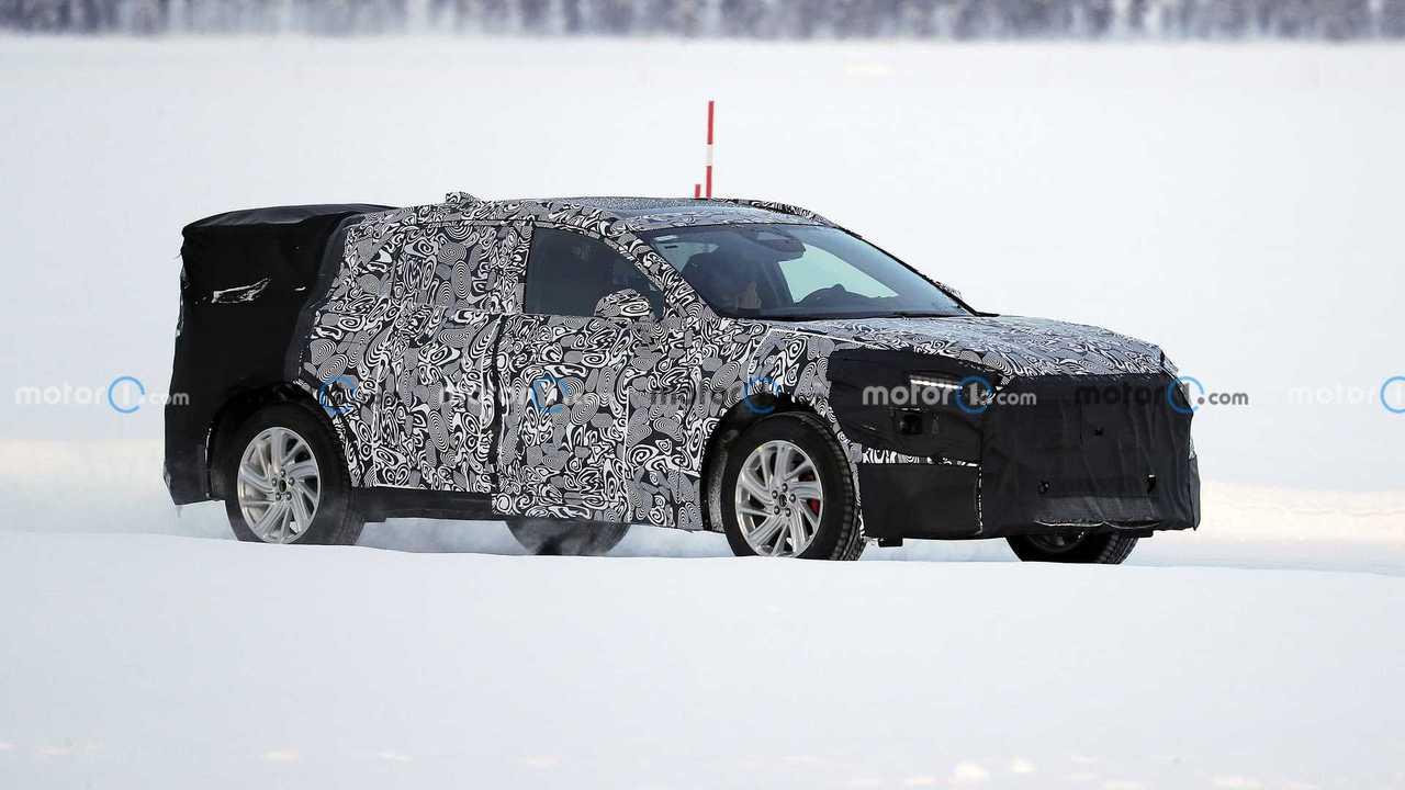 2022 Ford Mondeo Evos spy photo
