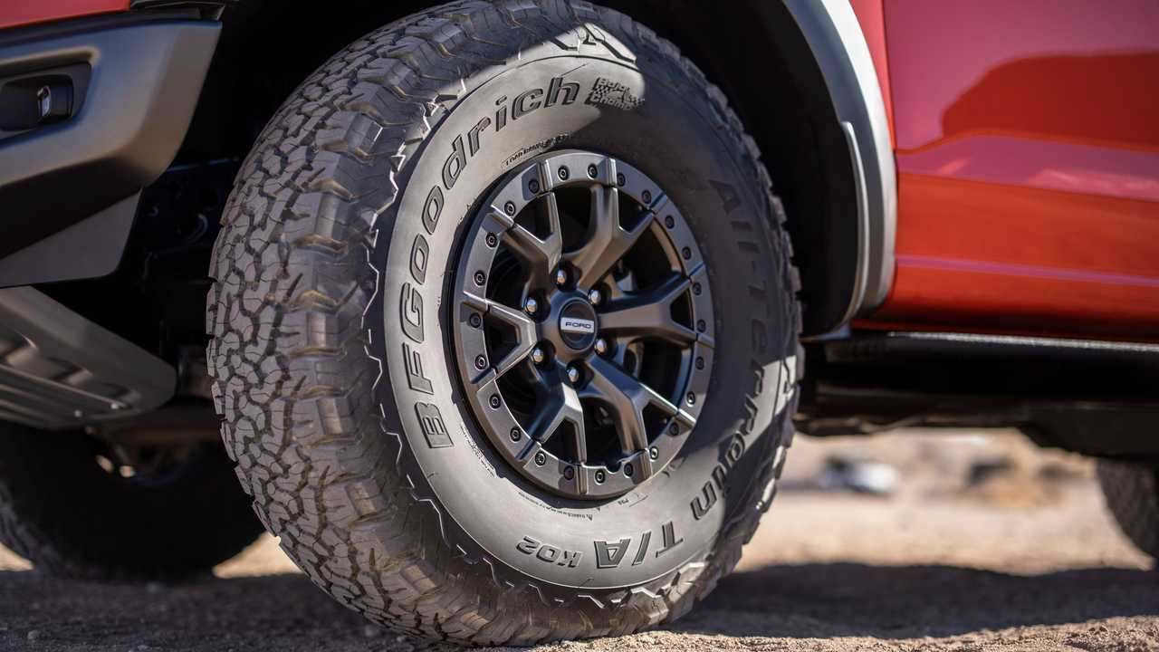 Ford F-150 Raptor's advantages with 37-inch tire