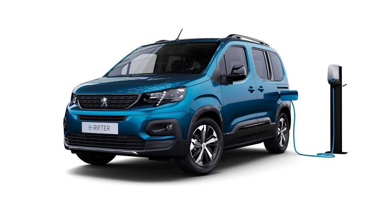 Peugeot e-Rifter charging