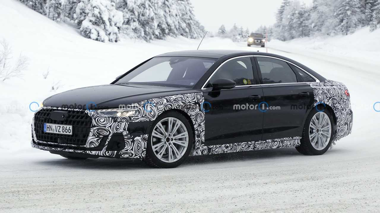 2022 Audi A8 facelift spy photo