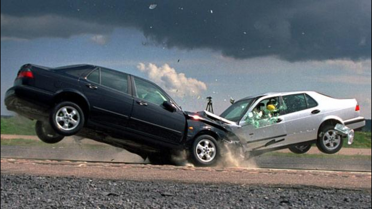 [Copertina] - Incidenti gravi: assicurazioni in pressing sui risarcimenti