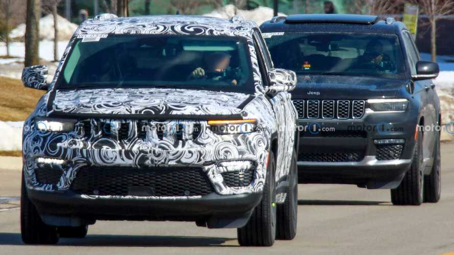 2022 Jeep Grand Cherokee Five-Passenger Spied Showing A Different Face