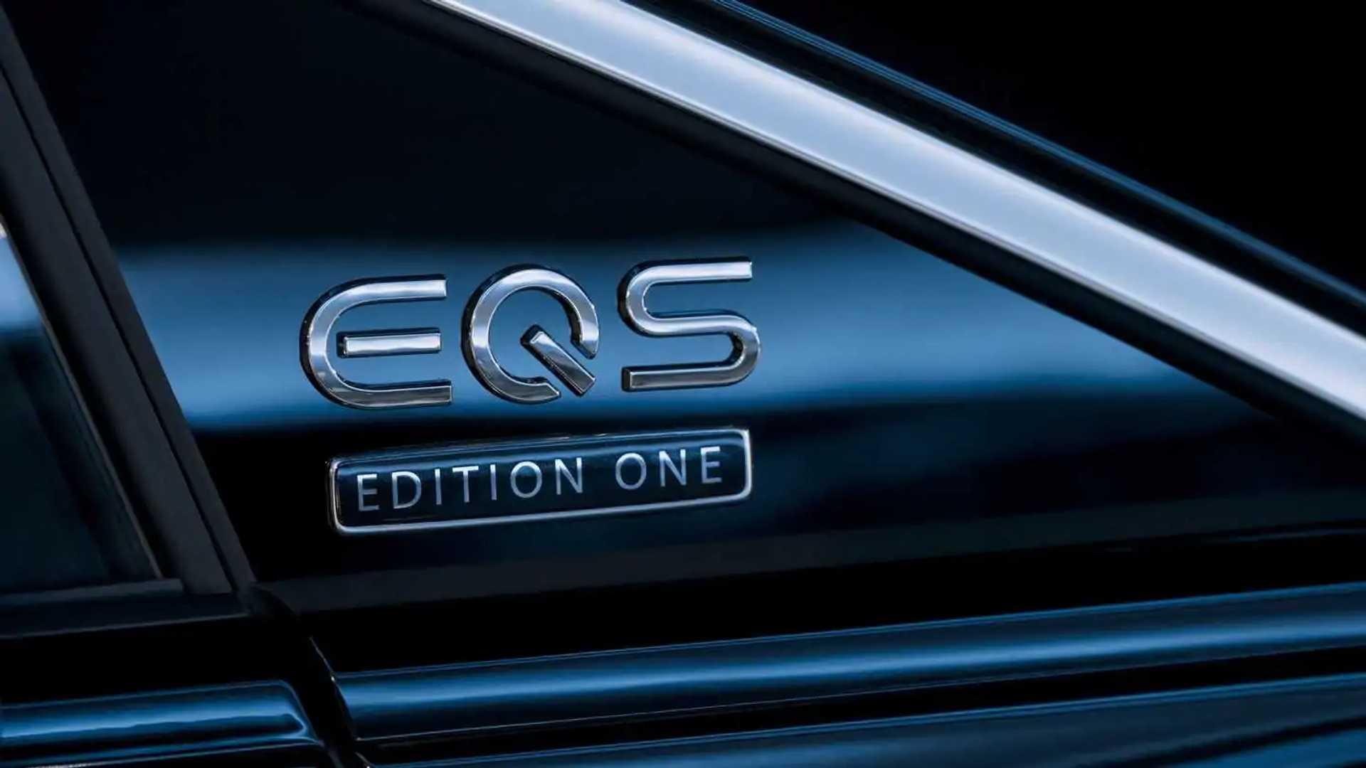 informaçoes sobre o novo eqs 2022-mercedes-benz-eqs-580-edition-one-exterior-badge