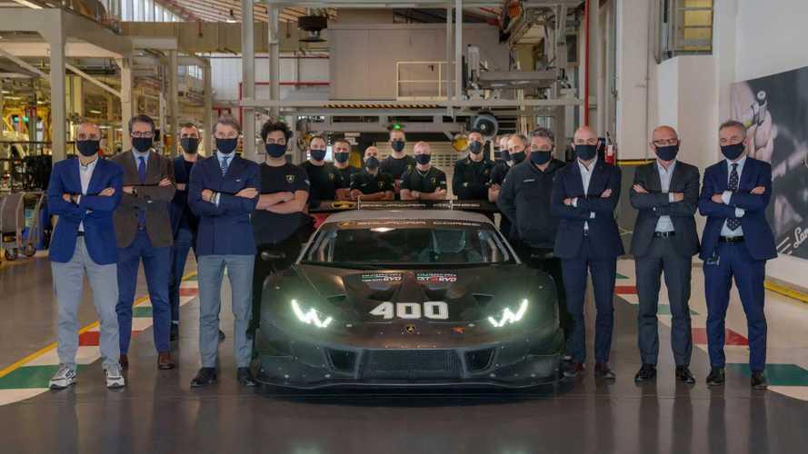 Lamborghini celebrates production of the 400th Huracán racing car