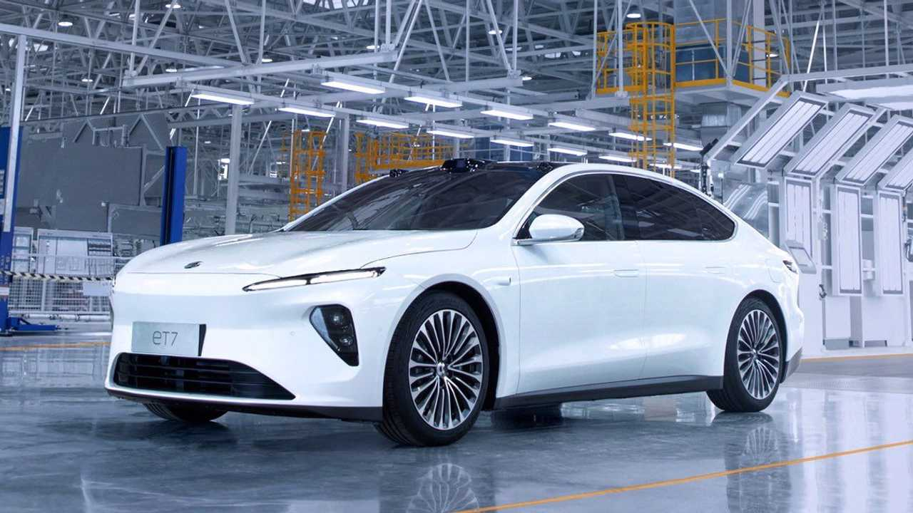 First validation build of the NIO ET7 rolls off the line (May 18, 2021)