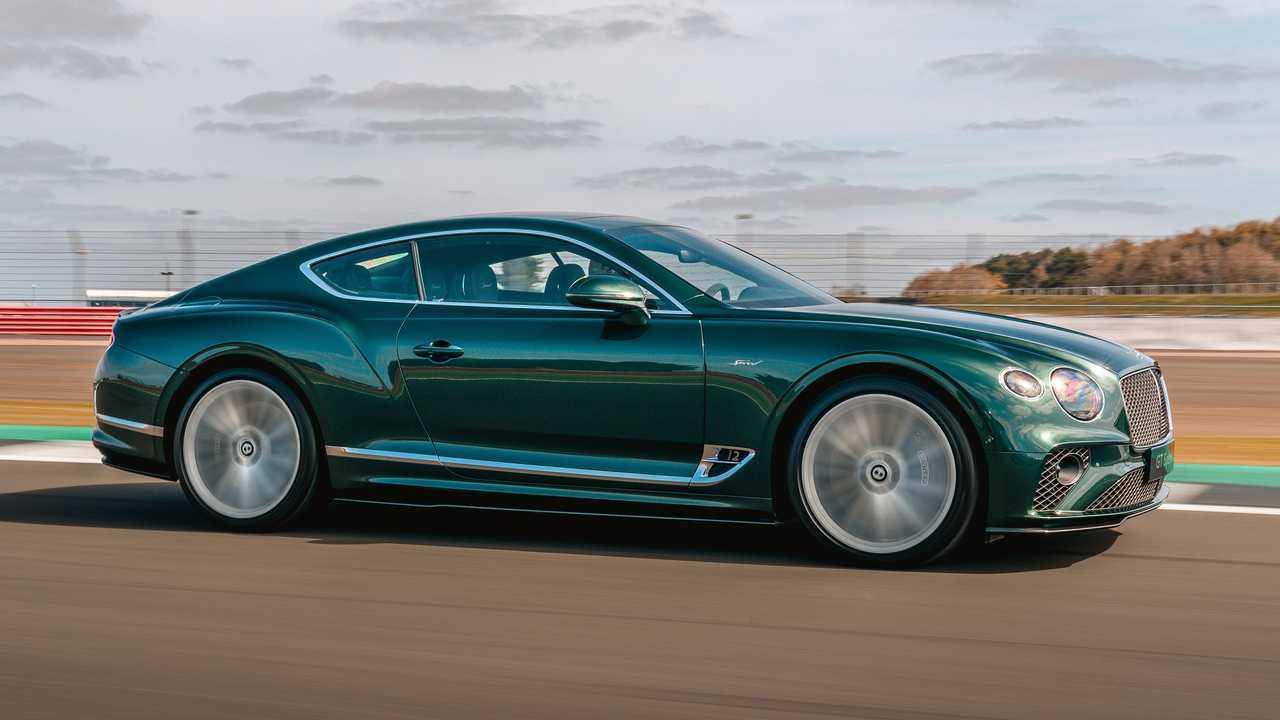 2022 Bentley Continental GT sebesség külső első negyed dinamikus