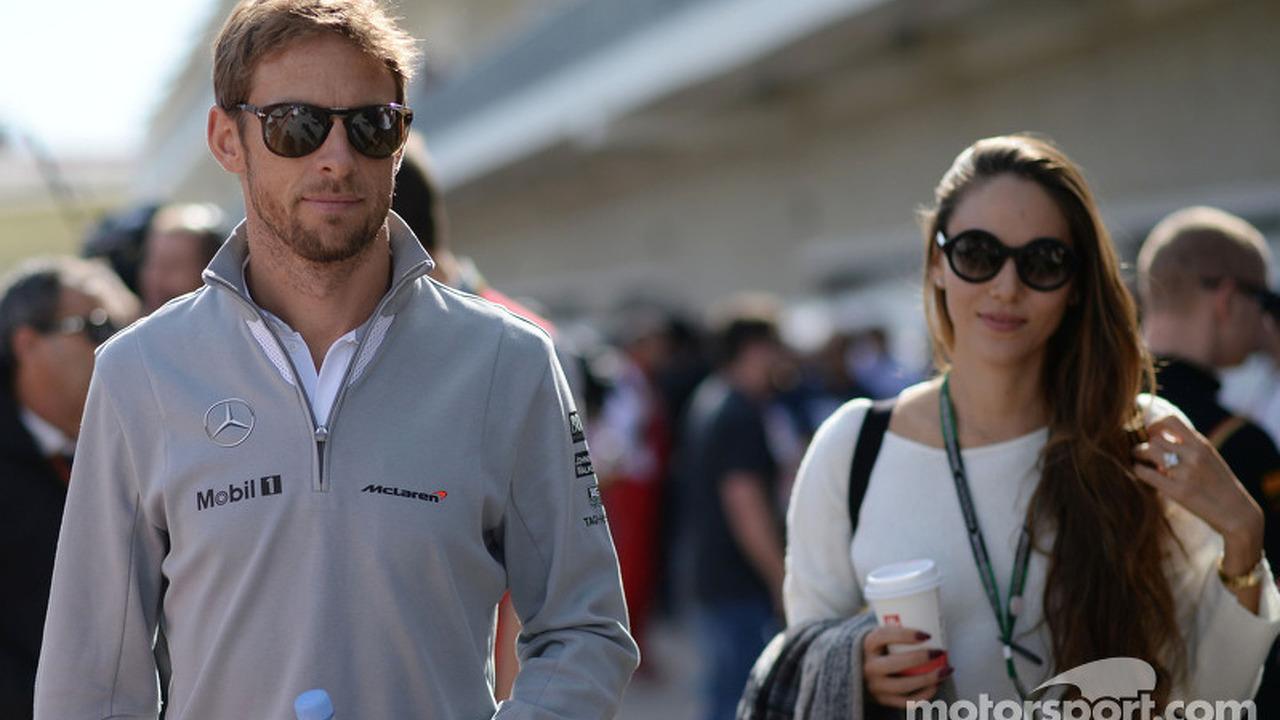 (L to R): Jenson Button, McLaren with his girlfriend Jessica Michibata (JPN)
