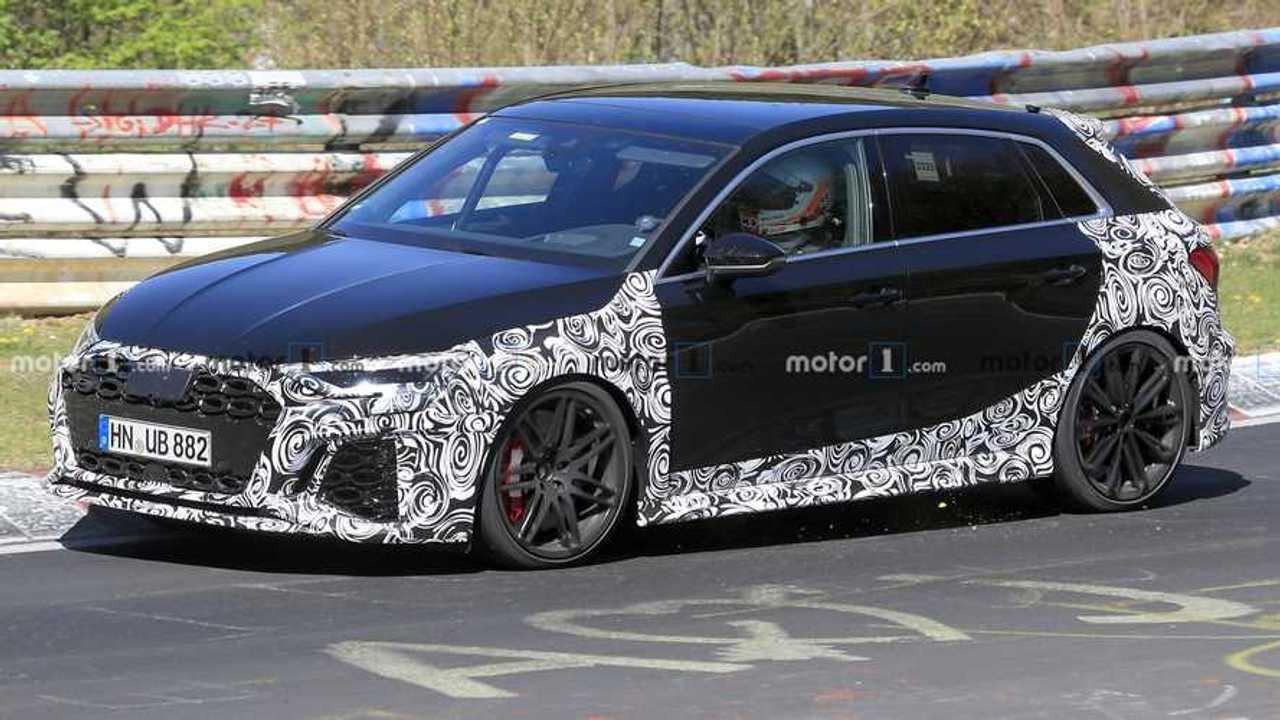 Nuova Audi RS3, le foto spia con meno camuffature