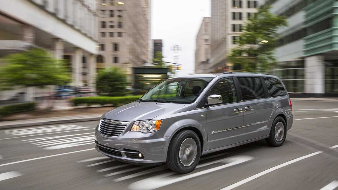 Chrysler Town & Country: 5