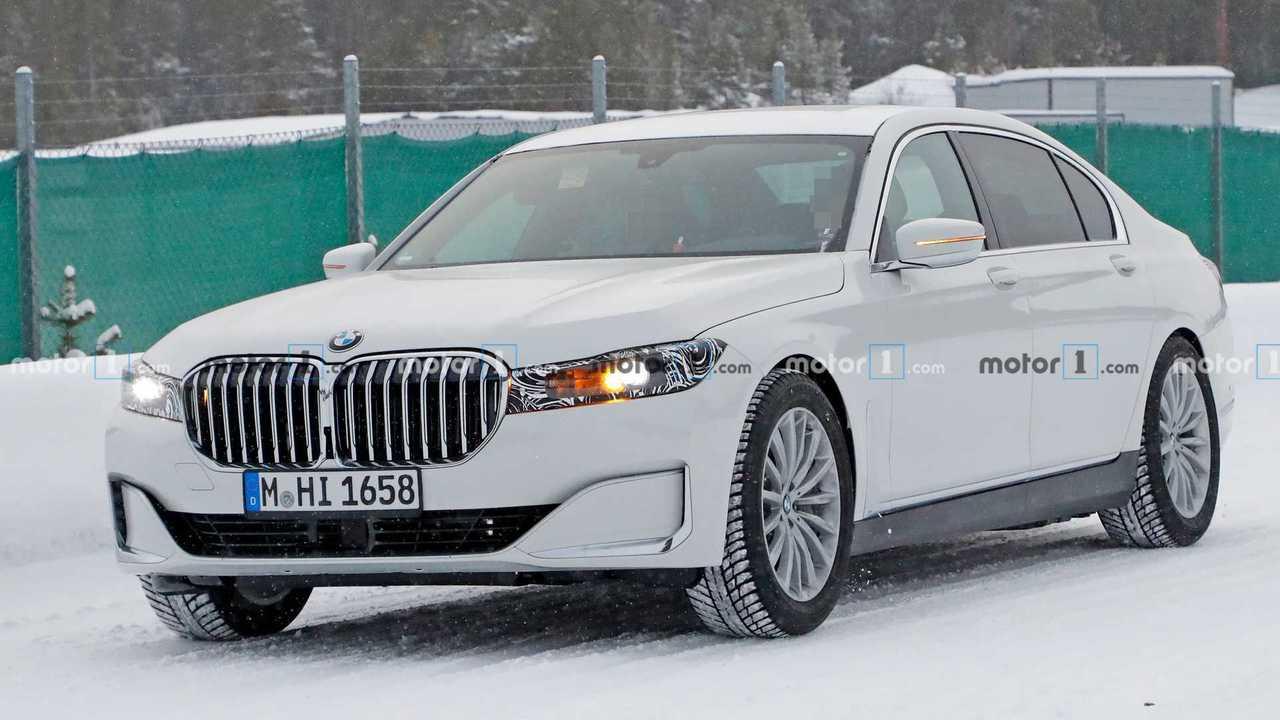 2022 BMW 7 Series new spy photo