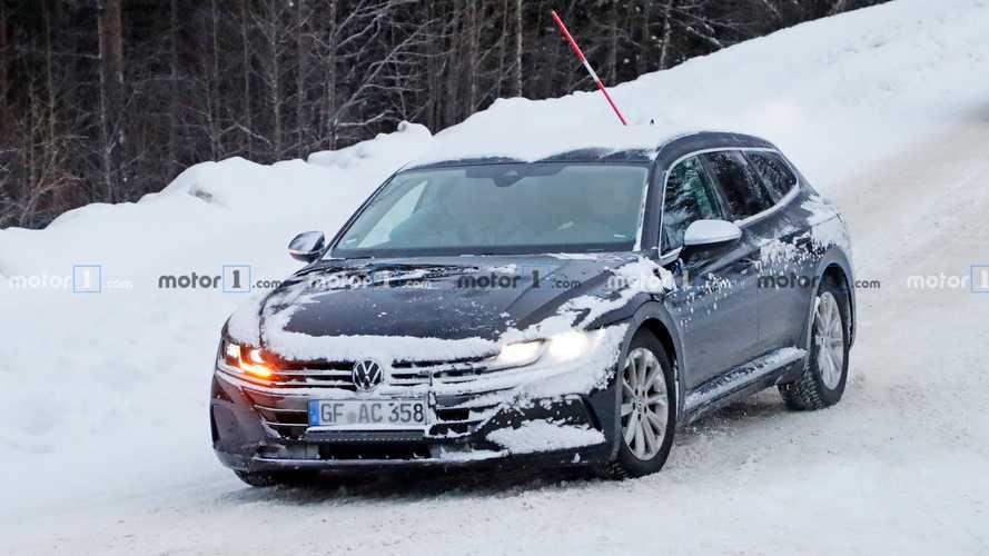 2021 VW Arteon station wagon casus fotoğraflar