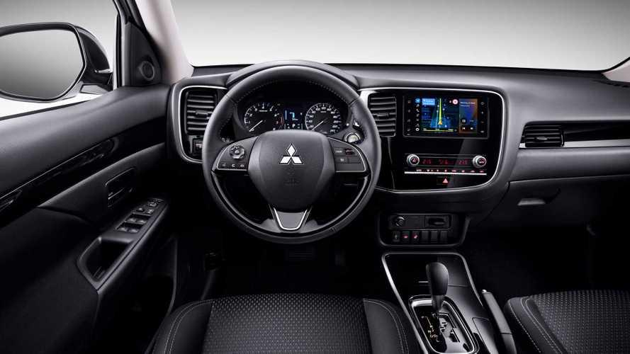 Mitsubishi Outlander и Pajero Sport с Яндекс.Авто