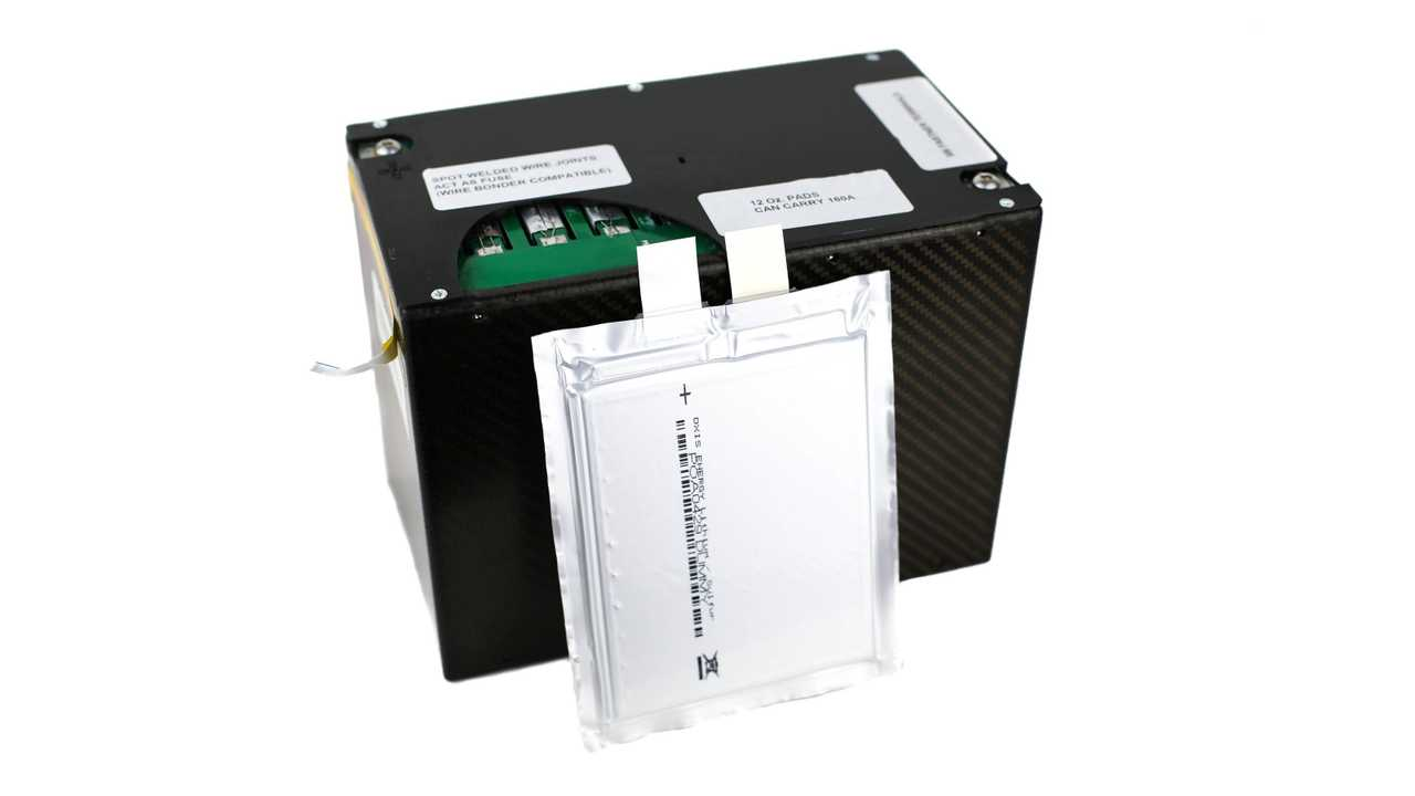 OXIS Energy - Lithium sulfur module with cell