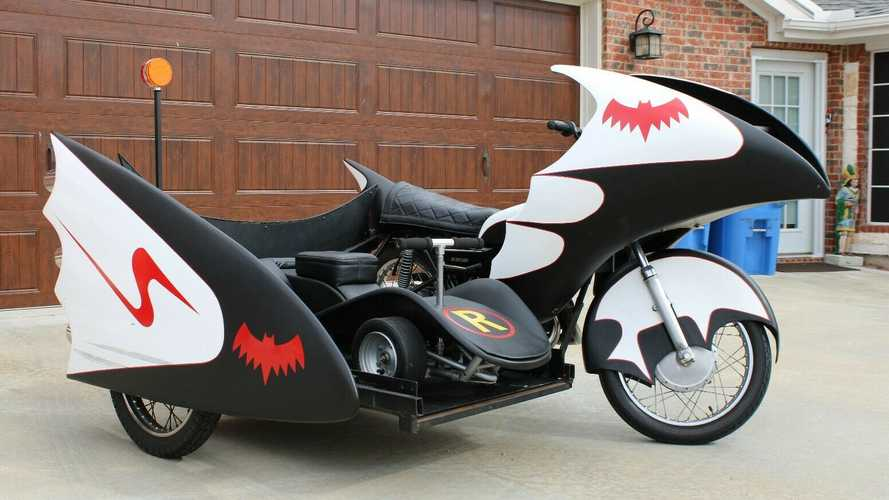 Live Your Batman Dreams With This Yamaha Batcycle Replica