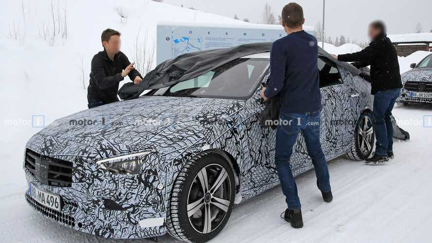 2022 Mercedes C-Class Sedan spy photos