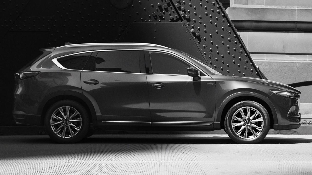 [Copertina] - Mazda CX-8, la prima immagine del SUV a sette posti