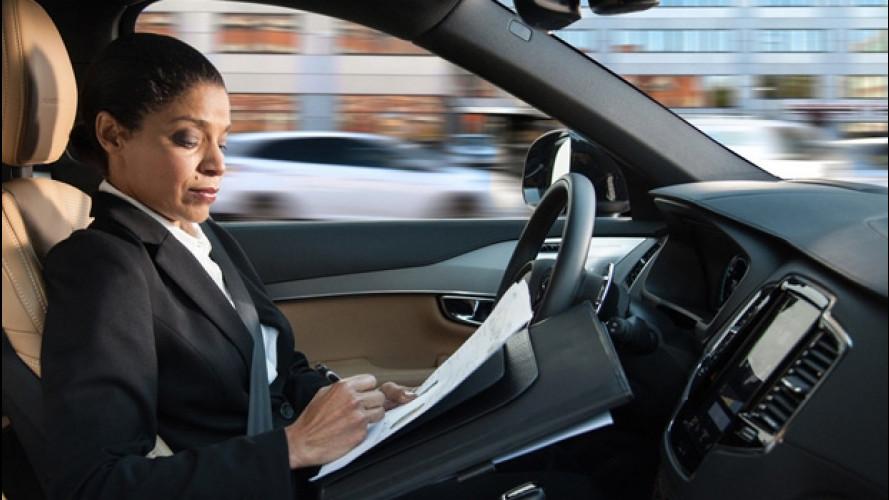 Auto a guida autonoma: uno su due dice sì