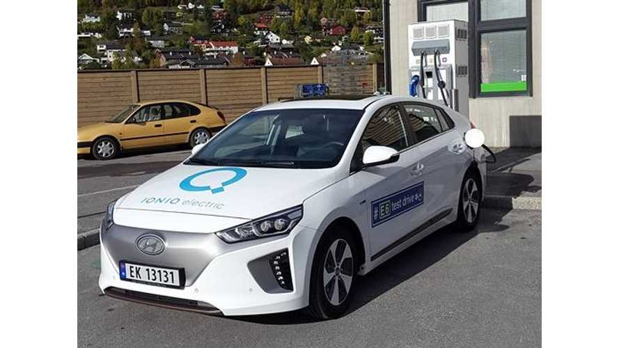 Hyundai IONIQ Electric Accepts Up To 70 kW From 100 kW CCS Charger - Video