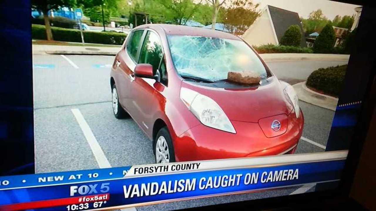 Nissan LEAF Gets Vandalized