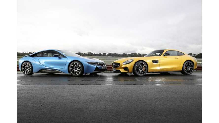 BMW i8 Versus Mercedes-Benz AMG GT - Video Comparison