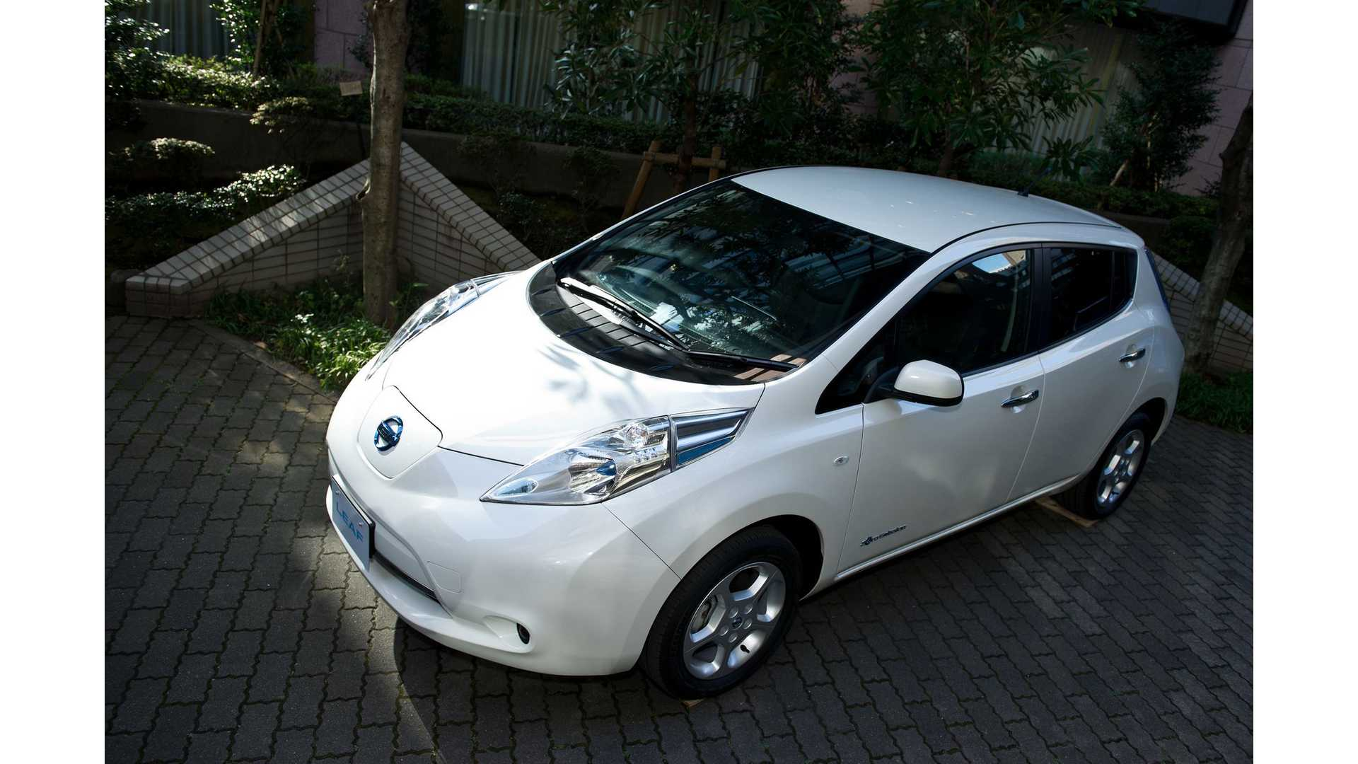 2014 nissan leaf maintenance schedule