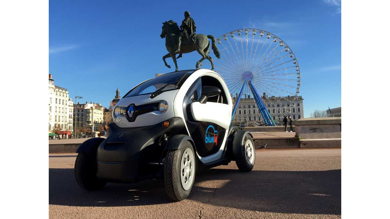 Renault Twizy Now Available Through Bluely Car Sharing Service