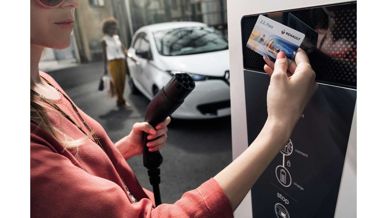 Renault To Equip Future EVs With 22 kW AC and 100 kW DC CCS Combo Charging