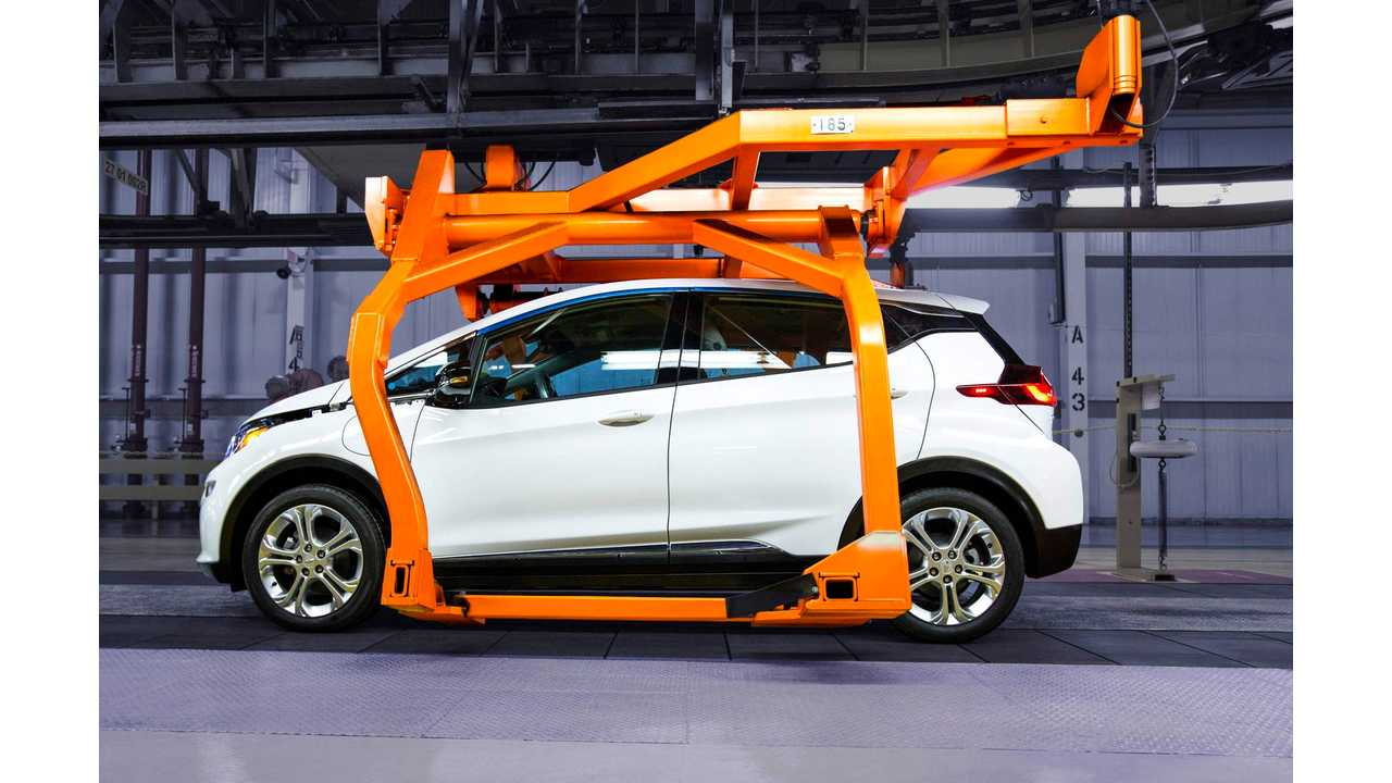 2017 Chevy Bolt Arrives In Q4, GM Says It Will Have More Than 200 Miles Of Range...and they don't want your money until they ship 'em