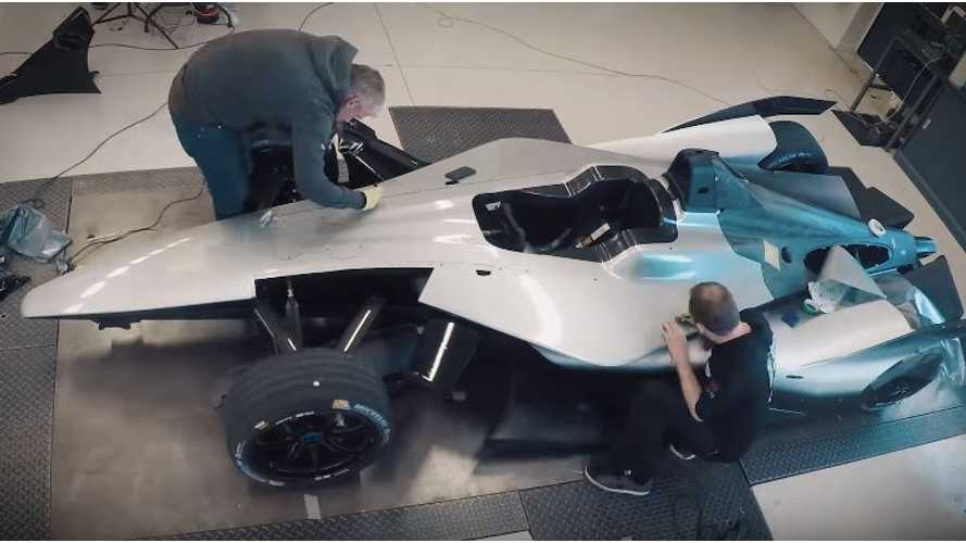 Watch Timelapse Of Nissan Formula E Car Getting Wrapped