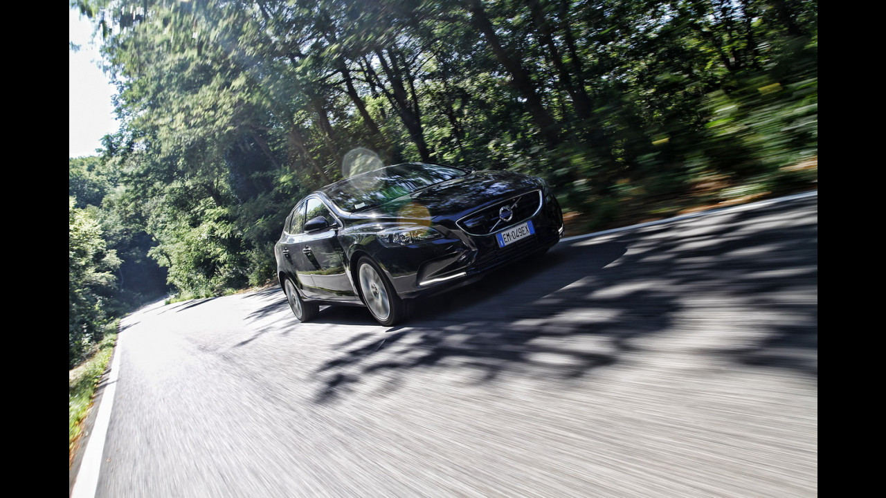 Volvo V40 D4 Geartronic Momentum - TEST