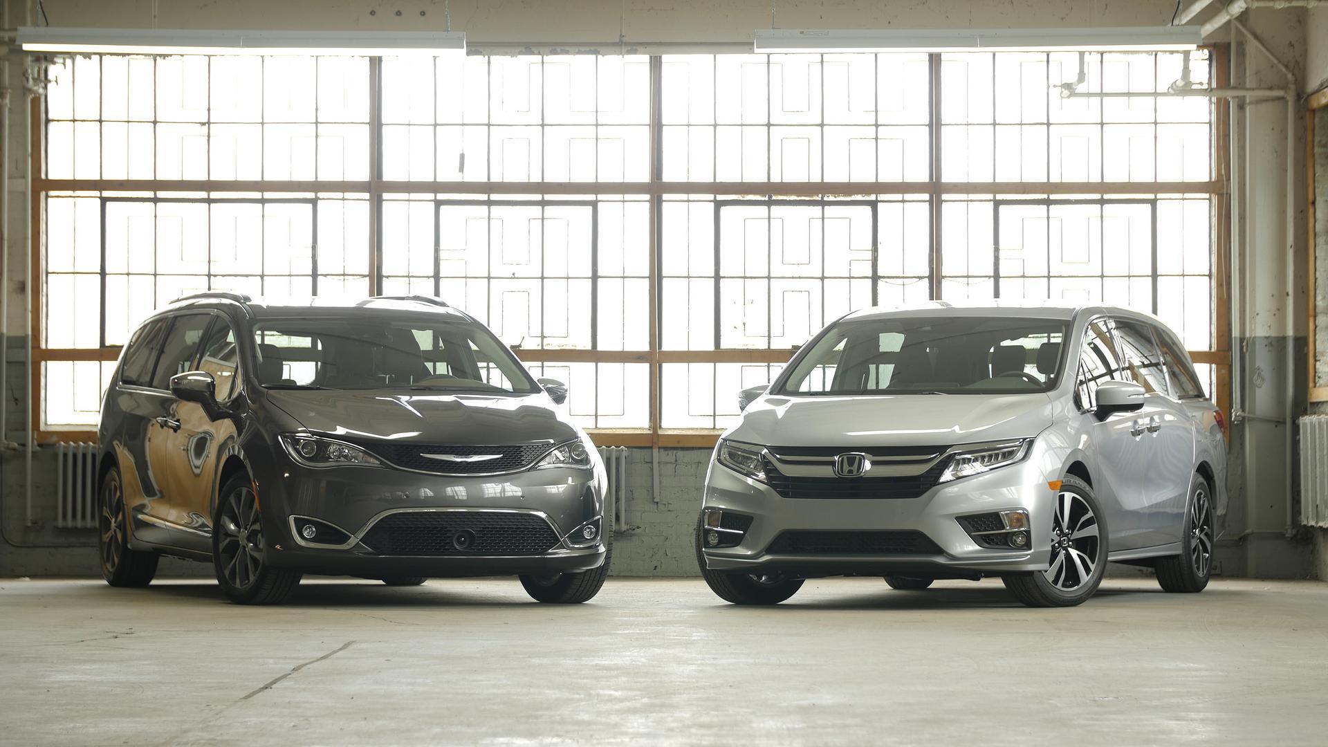 Chrysler Pacifica vs Honda Odyssey Impossibly Close