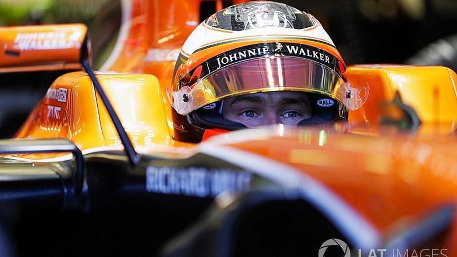 McLaren F1 Team Keeps Stoffel Vandoorne For 2018 Season