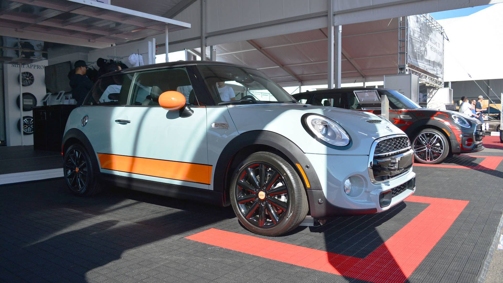 Ice Blue Mini Cooper >> Mini Cooper S Hardtop Ice Blue Is All About Style At Sema