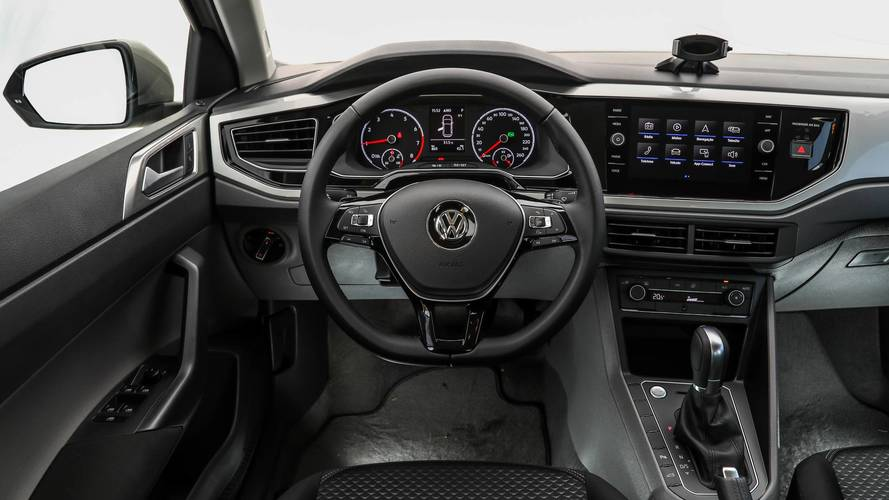 08690bbd69 Comparativo VW Polo x Fiat Argo x Honda Fit x Peugeot 208