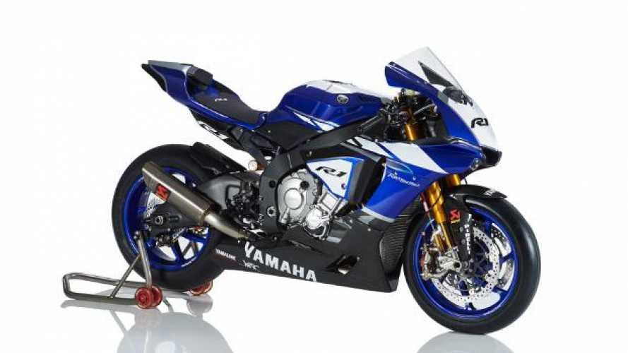SBK: debutta la Yamaha R1 Ufficiale 2016