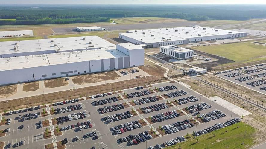 A közelgő hurrikán miatt kiürítette amerikai gyárát a Volvo